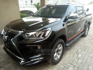 Toyota Hilux 2017 SR5 4x4 Black | Cars for sale in Lagos State, Surulere