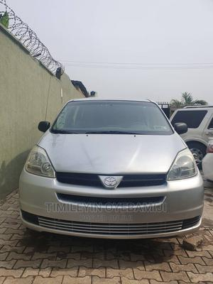 Toyota Sienna 2004 CE FWD (3.3L V6 5A) Silver | Cars for sale in Lagos State, Ogba