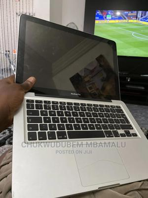 Laptop Apple MacBook 2010 3GB Intel Core I3 250GB | Laptops & Computers for sale in Abuja (FCT) State, Lugbe District