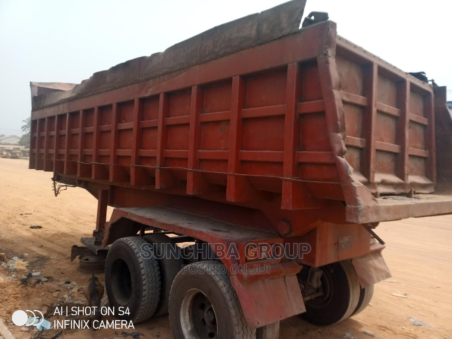 Archive: Red 48tons Trailer Bucket