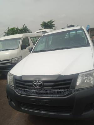 Toyota Hilux 2014 SR 4x4 White | Cars for sale in Lagos State, Ojota