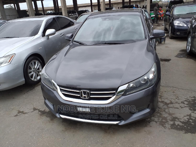 Archive: Honda Accord 2014 Gray