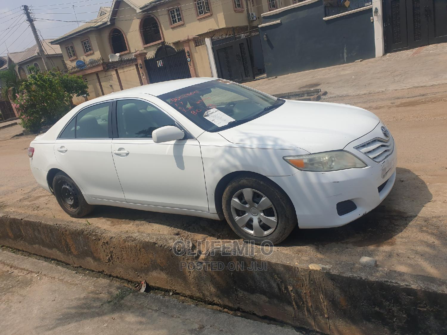 Archive: Toyota Camry 2011 White