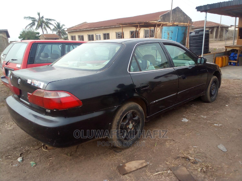 Archive: Honda Accord 1999 EX Black