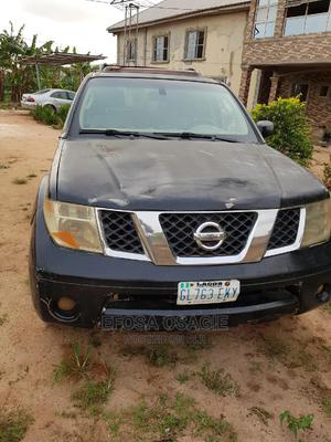 Nissan Pathfinder 2006 LE 4x2 Black   Cars for sale in Edo State, Ikpoba-Okha