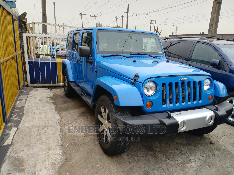 Jeep Wrangler 2013 Unlimited Sahara Blue