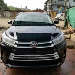Toyota Highlander 2017 Black | Cars for sale in Lagos State, Amuwo-Odofin