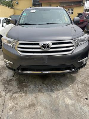 Toyota Highlander 2013 Limited 3.5l 4WD Gray   Cars for sale in Lagos State, Surulere