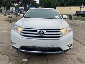 Toyota Highlander 2013 SE 3.5L 4WD White | Cars for sale in Lagos State, Ikoyi