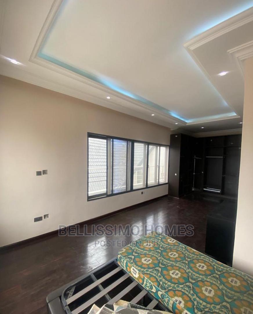 Archive: 4bedroom Terrace Duplex Located in Oniru Victoria Island