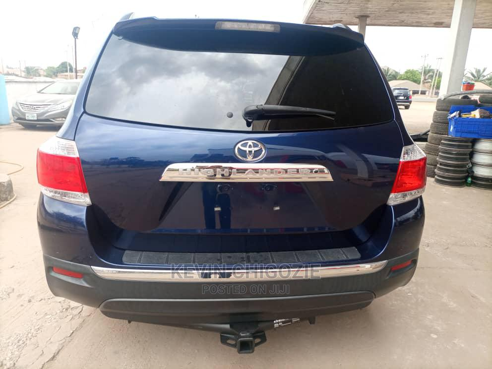 Toyota Highlander 2013 Limited 3.5L 2WD Blue | Cars for sale in Oshimili South, Delta State, Nigeria