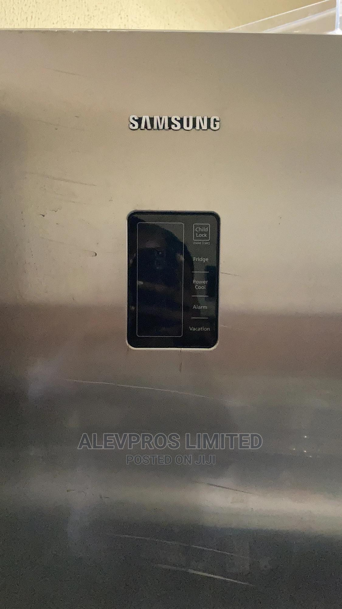 Foreign Used And Tested Silver Standing Fridge   Kitchen Appliances for sale in Amuwo-Odofin, Lagos State, Nigeria