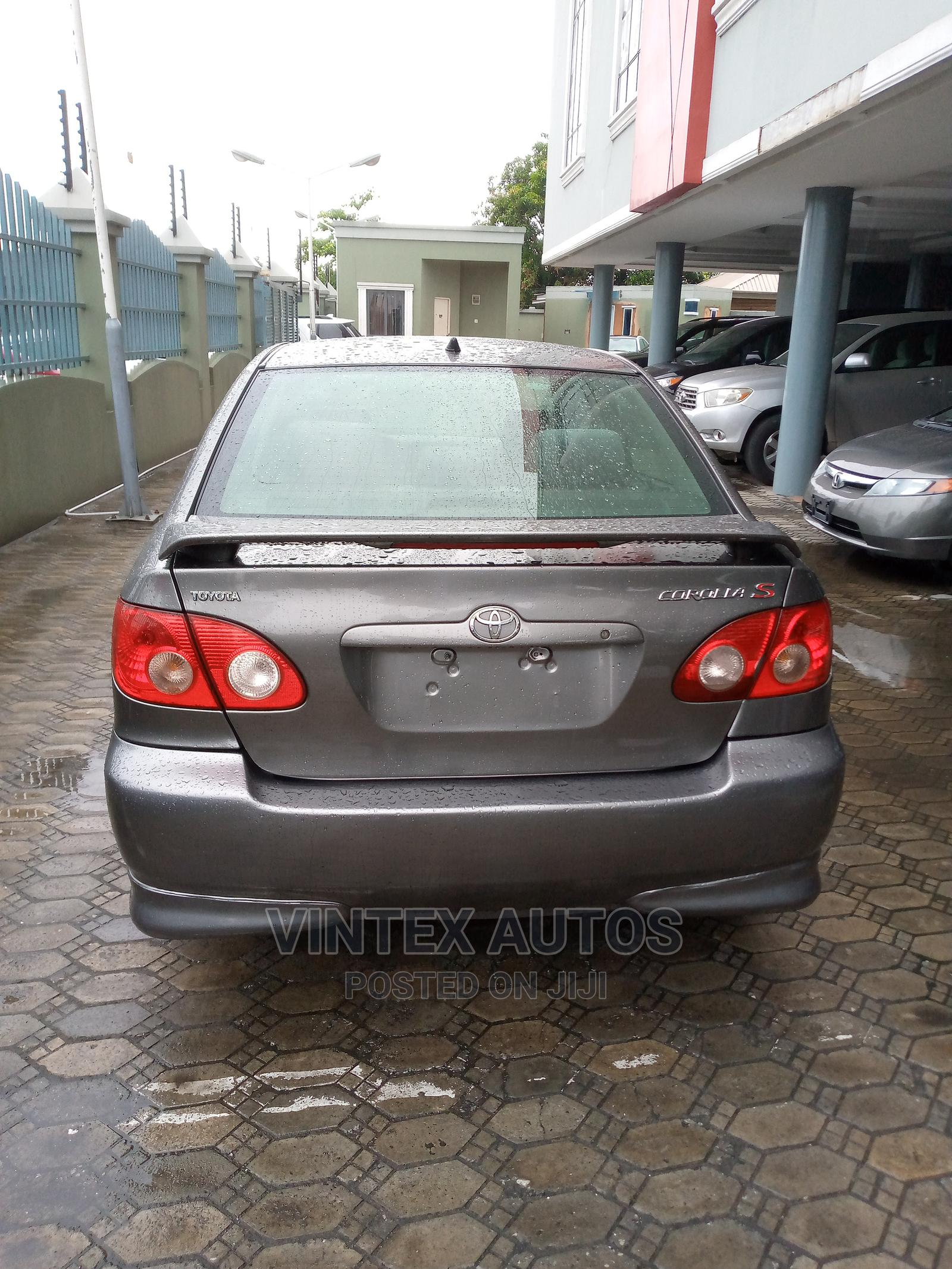 Archive: Toyota Corolla 2005 S Gray