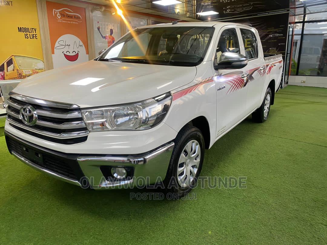 New Toyota Hilux 2017 White