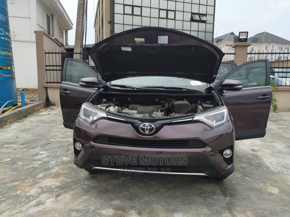 Archive: Toyota RAV4 2018 Brown