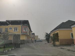 2 Bedroom Flat in Ph Height Gardens Estate Gra For Sale   Houses & Apartments For Sale for sale in Port-Harcourt, GRA Phase 3 / Port-Harcourt