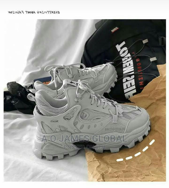 Fashion Xe Sneakers.