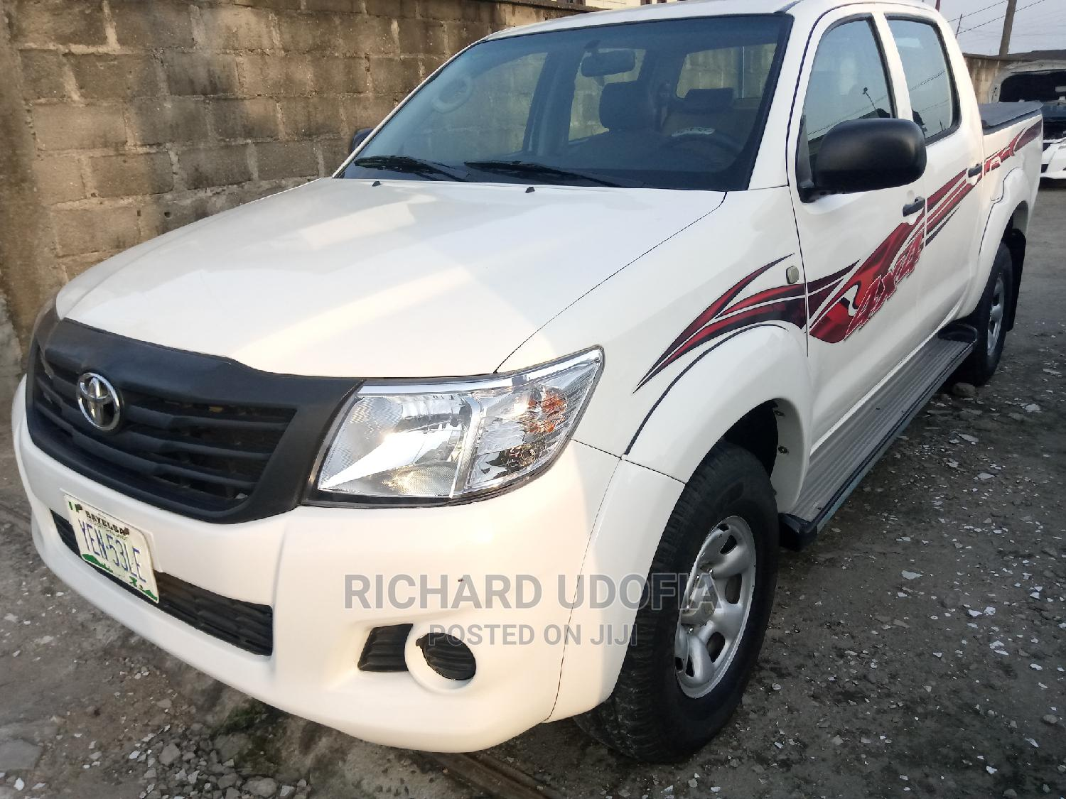 Toyota Hilux 2014 SR 4x4 White | Cars for sale in Port-Harcourt, Rivers State, Nigeria