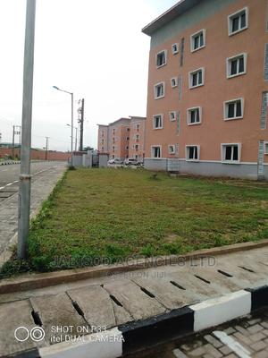 3bdrm Block of Flats in Laghoms, Surulere for Rent | Houses & Apartments For Rent for sale in Lagos State, Surulere