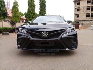 Toyota Camry 2018 SE FWD (2.5L 4cyl 8AM) Black | Cars for sale in Abuja (FCT) State, Garki 2