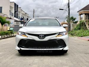 Toyota Camry 2018 XLE FWD (2.5L 4cyl 8AM) White | Cars for sale in Lagos State, Lekki