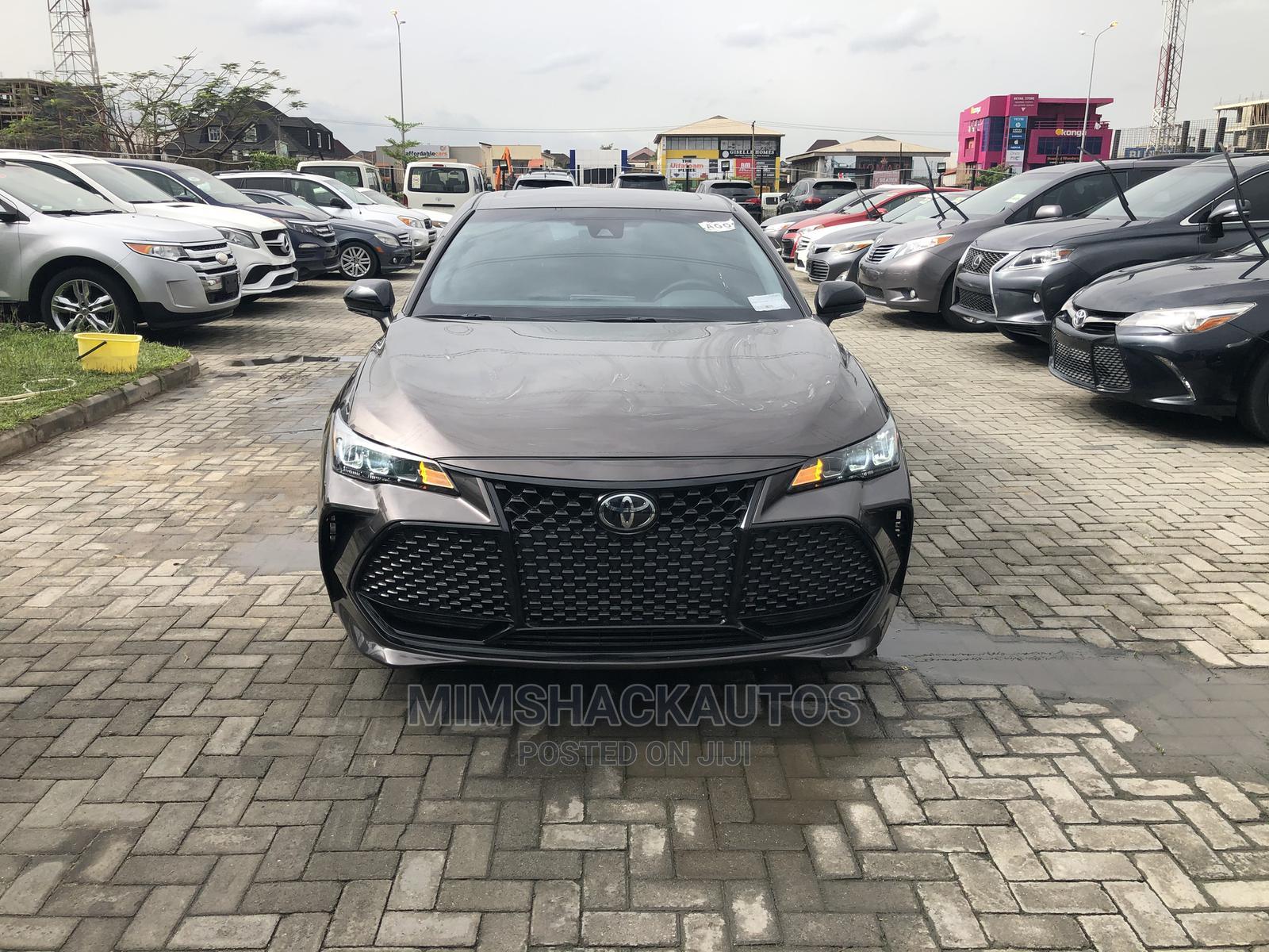 Toyota Avalon 2018 Brown