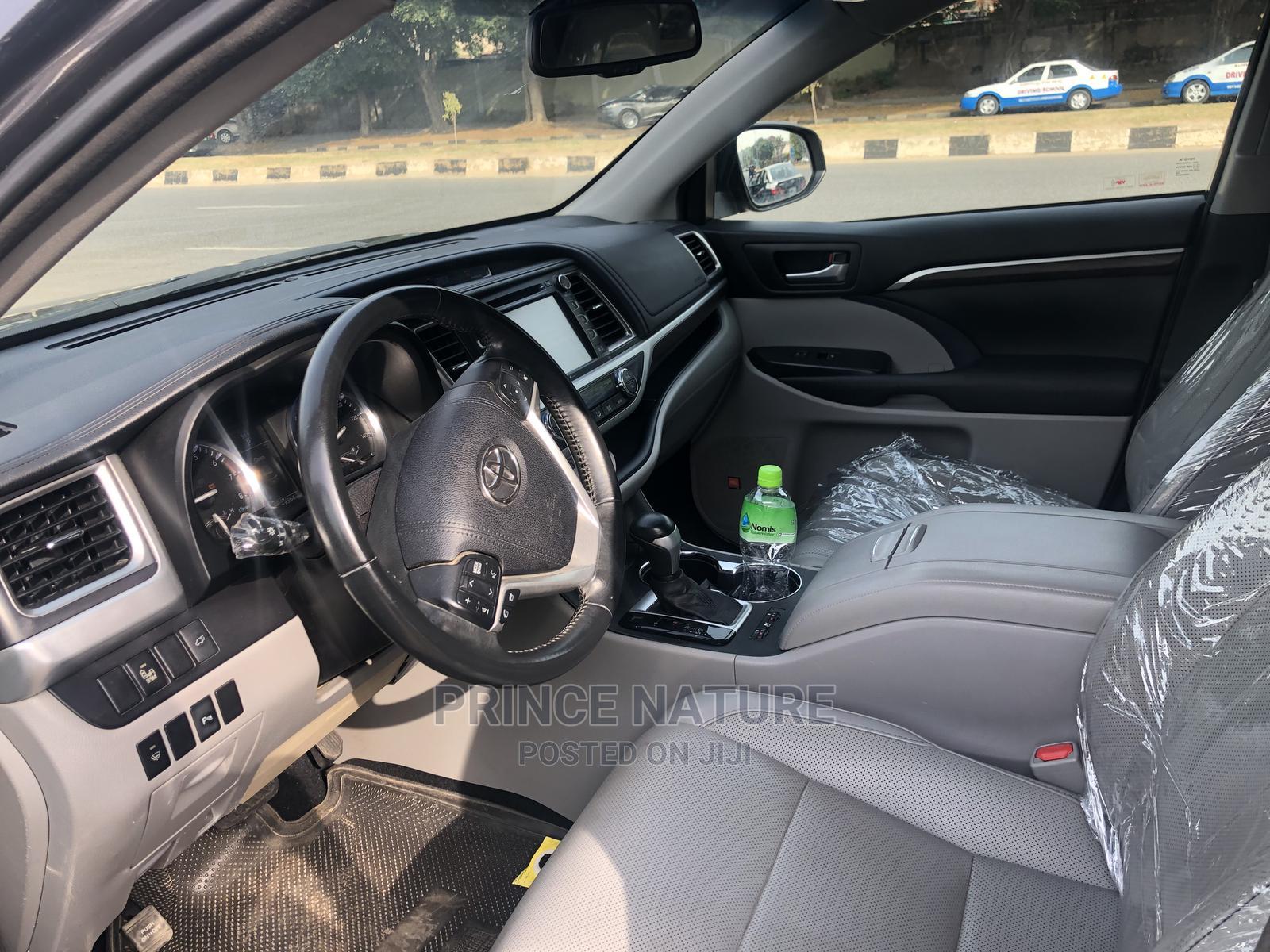 Toyota Highlander 2015 Gray | Cars for sale in Garki 2, Abuja (FCT) State, Nigeria