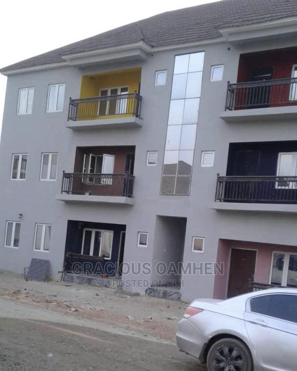 Archive: 3 Bedroom Flat in a Nice Estate