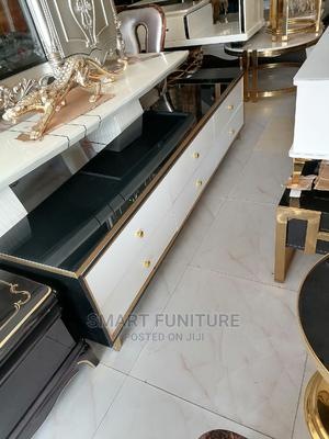 Massive Length Executive Glass Top TV Stand | Furniture for sale in Lagos State, Lekki