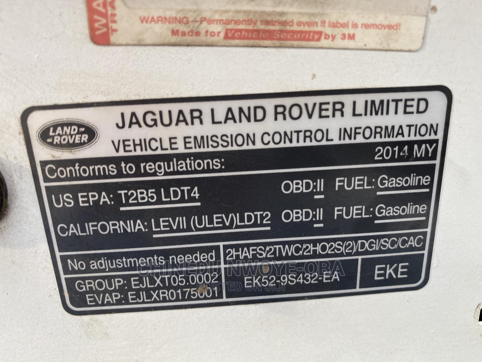 Archive: Land Rover Range Rover Vogue 2017 White