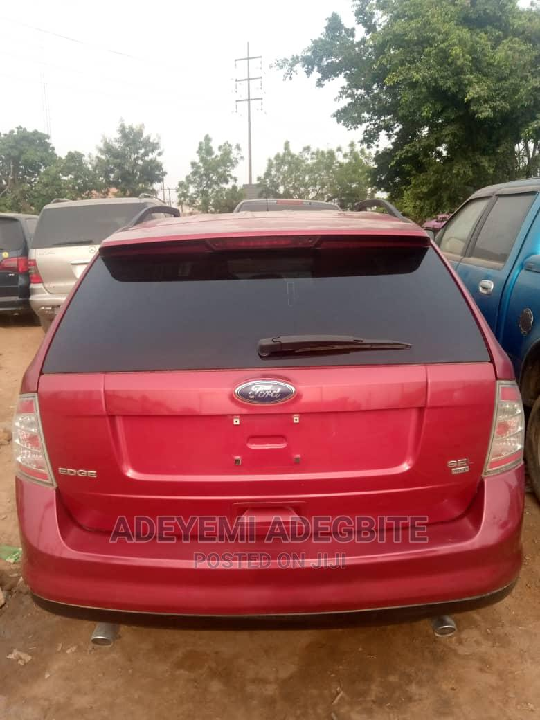 Archive: Ford Edge 2007 Red