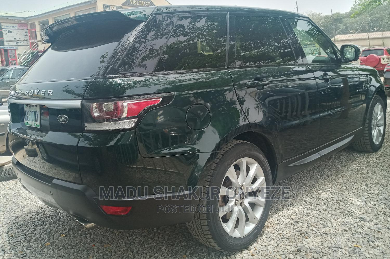 Archive: Land Rover Range Rover Sport 2015 Green