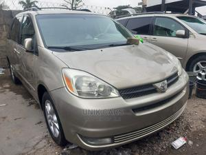 Toyota Sienna 2005 XLE AWD Gold | Cars for sale in Lagos State, Apapa