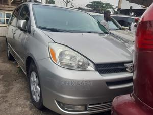 Toyota Sienna 2005 LE AWD Silver | Cars for sale in Lagos State, Apapa