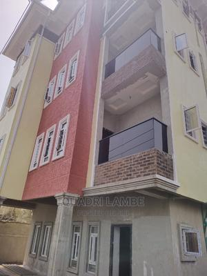 2 Bedroom Flat   Houses & Apartments For Rent for sale in Surulere, Ojuelegba