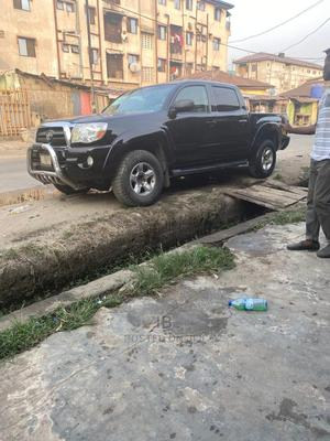 Toyota Tacoma 2009 Double Cab V6 Automatic Black | Cars for sale in Lagos State, Lekki