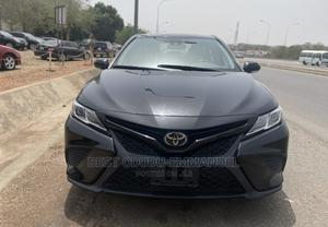 Toyota Camry 2018 SE FWD (2.5L 4cyl 8AM) Black | Cars for sale in Abuja (FCT) State, Gwarinpa