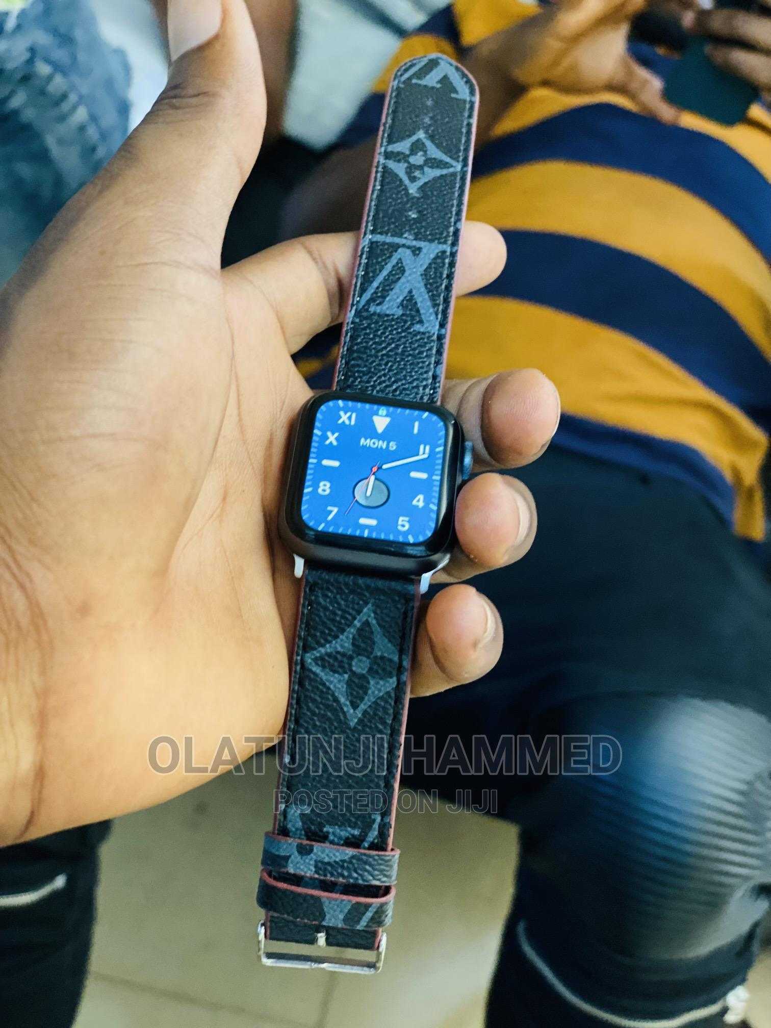 Apple Iwatch   Smart Watches & Trackers for sale in Ibadan, Oyo State, Nigeria