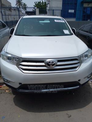 Toyota Highlander 2013 Limited 3.5L 2WD White | Cars for sale in Lagos State, Amuwo-Odofin