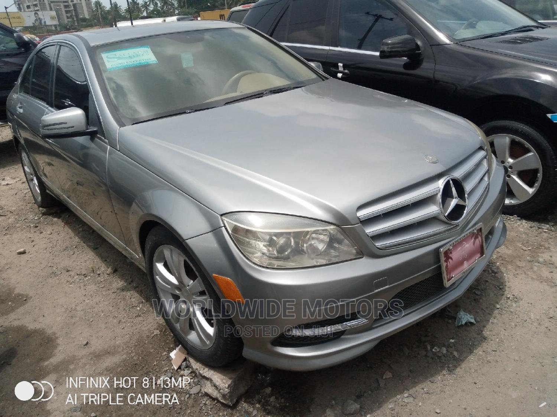 Mercedes-Benz C300 2009 Gray