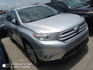 Toyota Highlander 2013 Limited 3.5l 4WD Silver | Cars for sale in Lagos State, Apapa