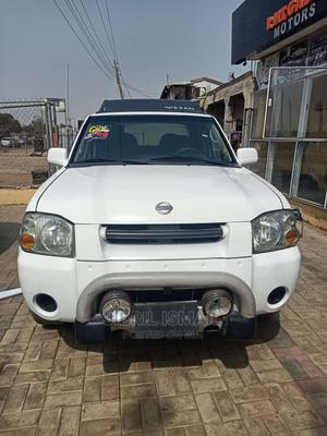 Nissan Frontier 2004 LE V6 Crew Cab White   Cars for sale in Kwara State, Ilorin South