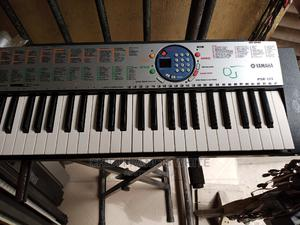 London Use Yamaha Keyboard   Musical Instruments & Gear for sale in Lagos State, Ojo