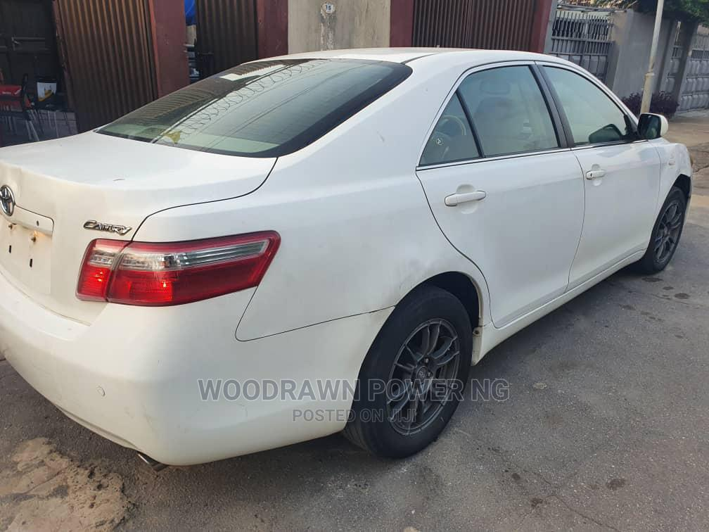 Archive: Toyota Camry 2007 White