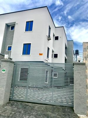 Executive Luxury 3 Bedroom Flat For Sale | Houses & Apartments For Sale for sale in Ajah, Ado / Ajah