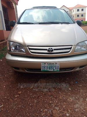 Toyota Sienna 2002 Gold | Cars for sale in Delta State, Oshimili South