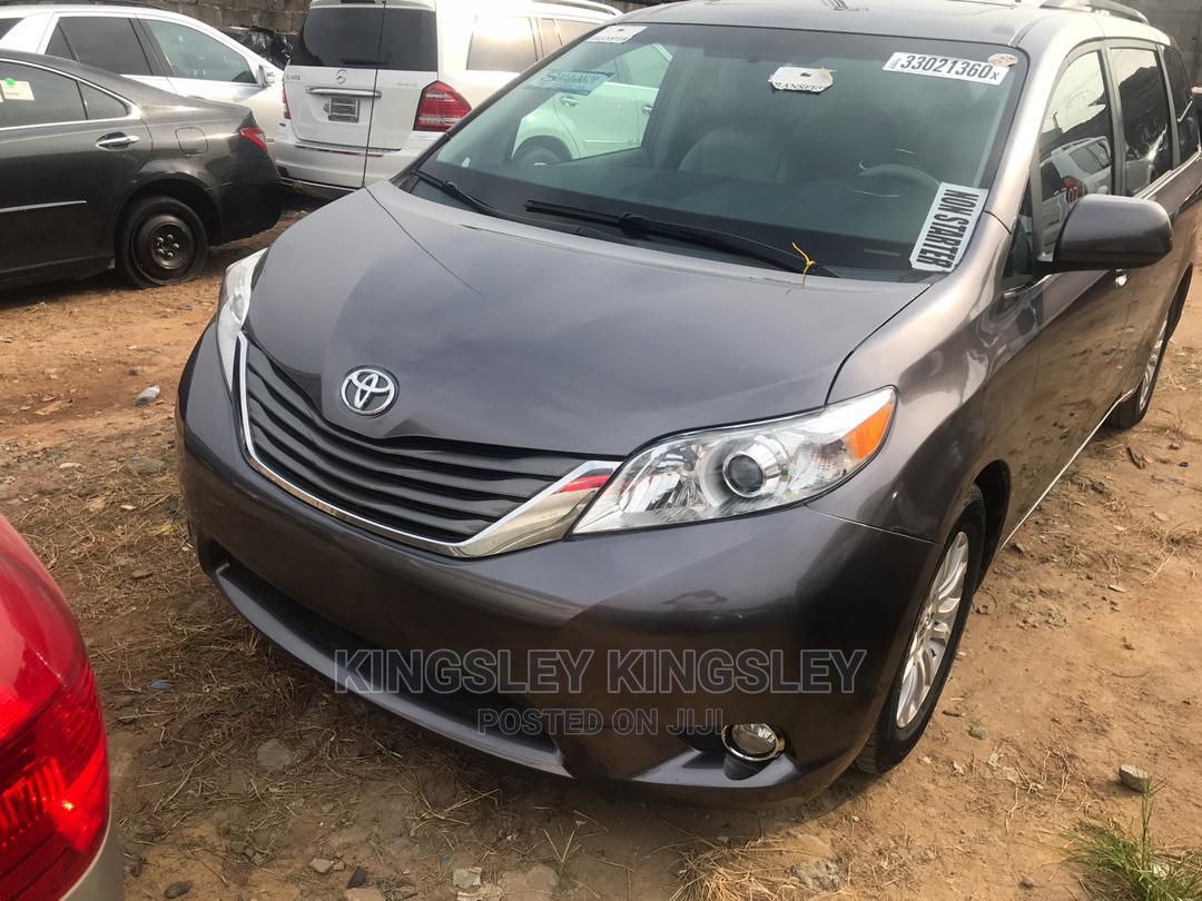 Toyota Sienna 2012 XLE 8 Passenger Gray | Cars for sale in Jabi, Abuja (FCT) State, Nigeria