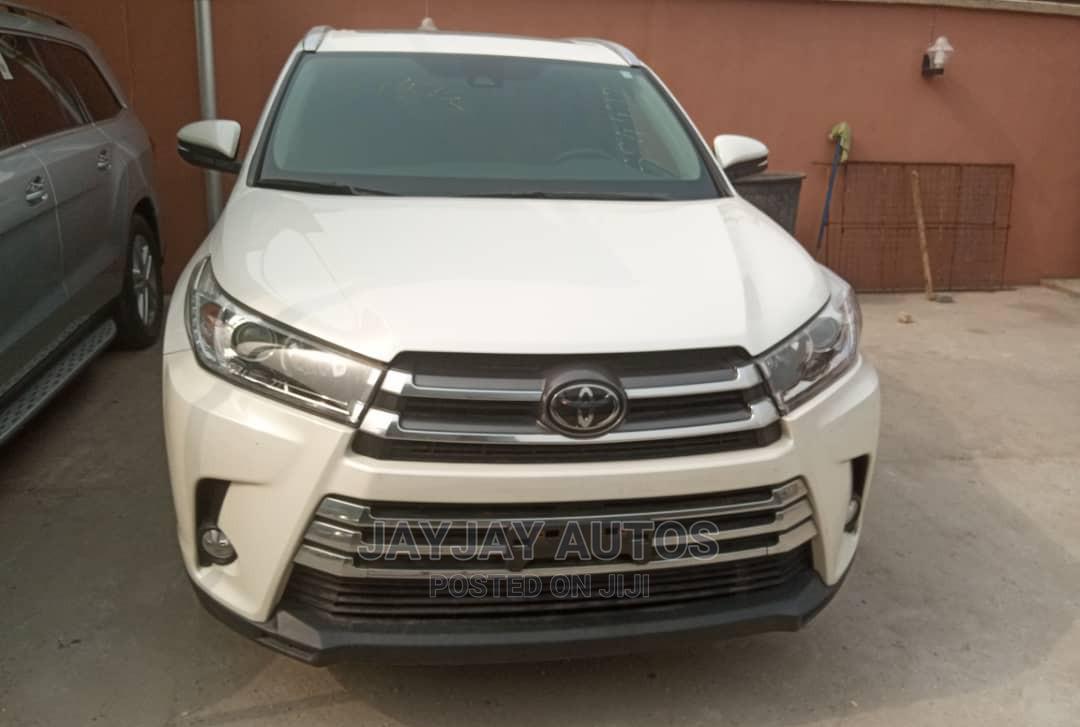 Toyota Highlander 2018 LE 4x4 V6 (3.5L 6cyl 8A) White