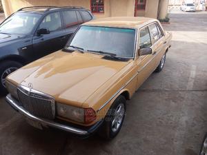 Mercedes-Benz 200 1979 Yellow | Cars for sale in Kaduna State, Kaduna / Kaduna State