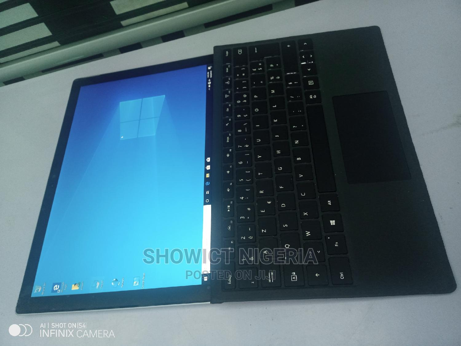 Laptop Microsoft Surface Pro 4 4GB Intel Core I5 SSD 128GB   Laptops & Computers for sale in Nyanya, Abuja (FCT) State, Nigeria